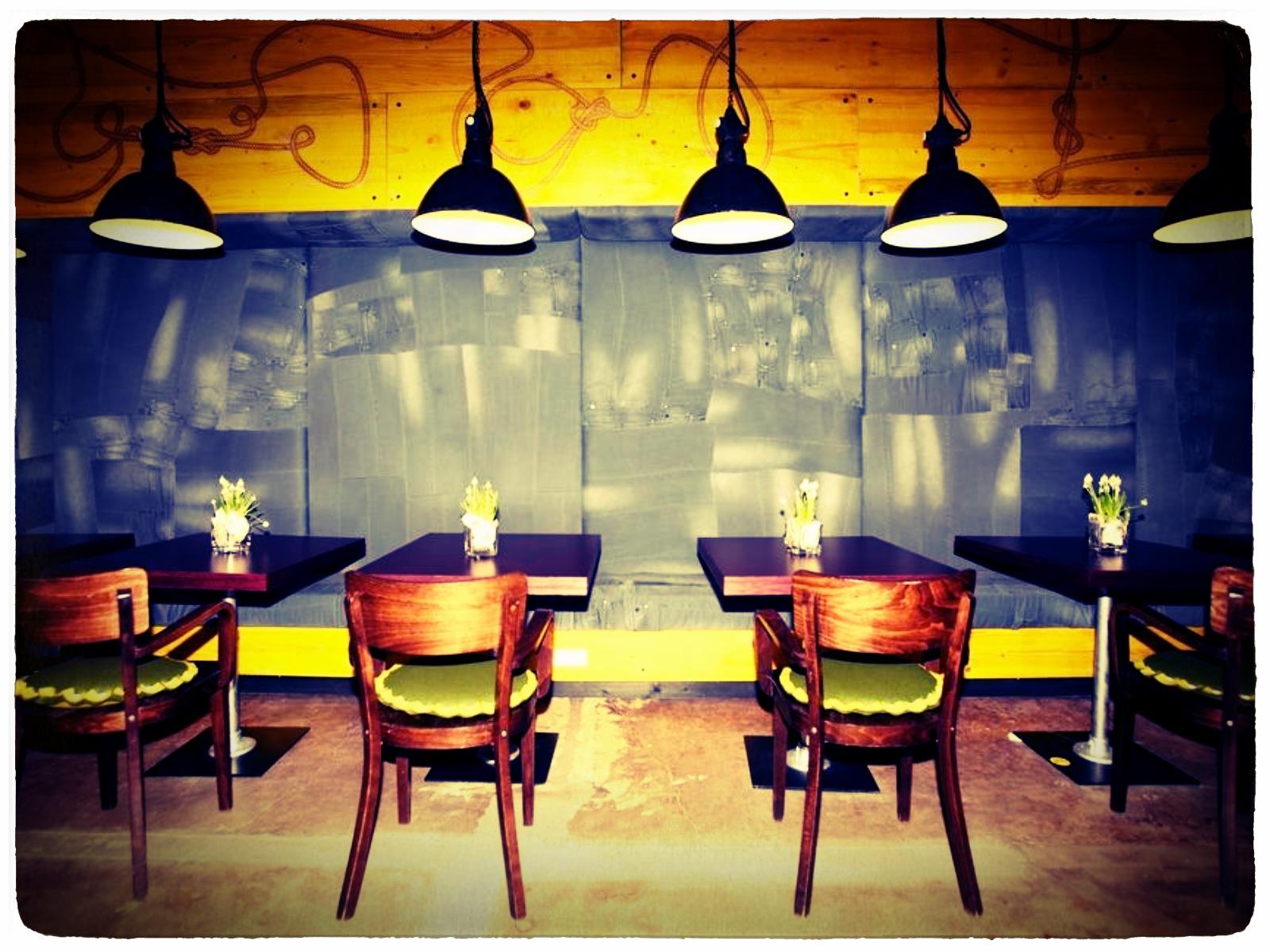 ryans air adventures superbude st pauli hamburg photos. Black Bedroom Furniture Sets. Home Design Ideas